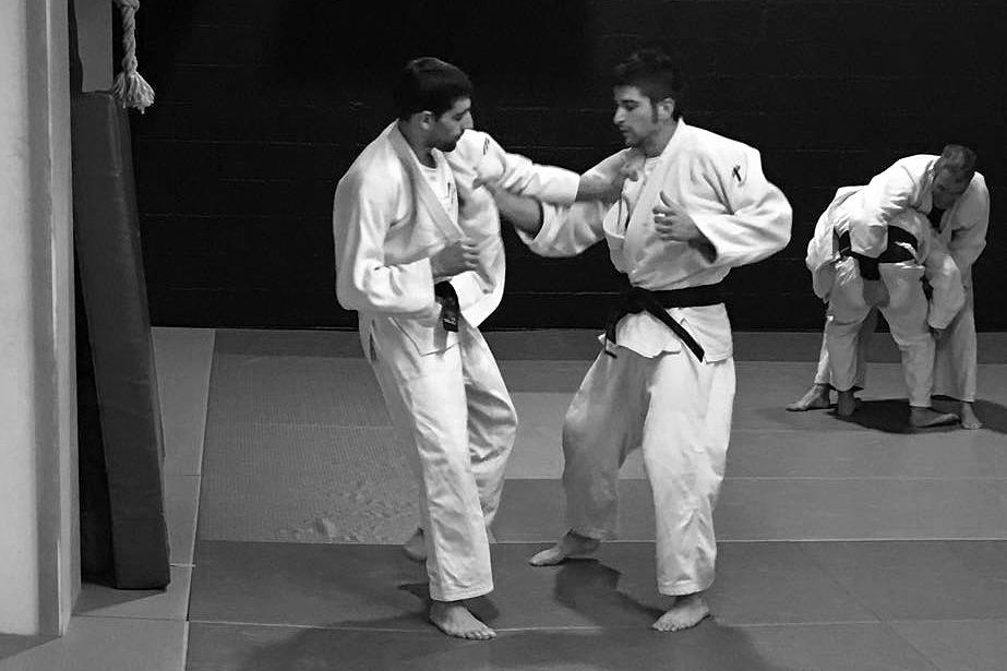 Uri Maraver practices Judo